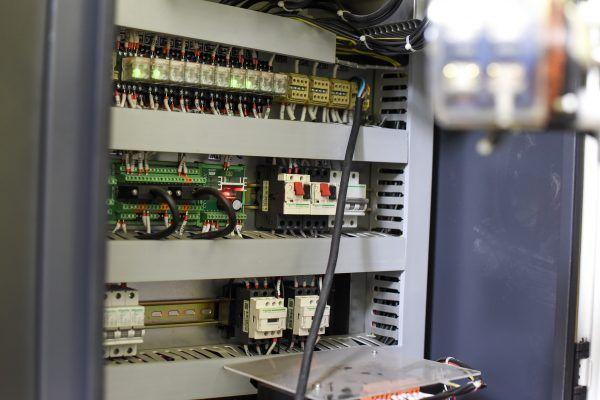 TORNO CNC HTC 1612